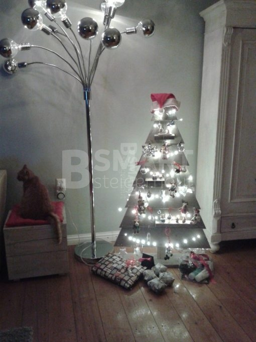 kerstboom van steigerhout groot gemonteerd