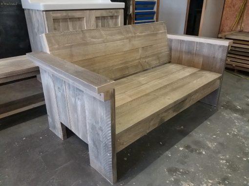 Goedkope loungebank steigerhout. Luchtig model