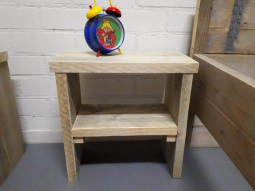 Steigerhouten nachtkastje voor de kinderkamer 3