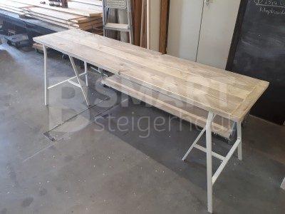 Kinderbureau steigerhout op metalen schragen