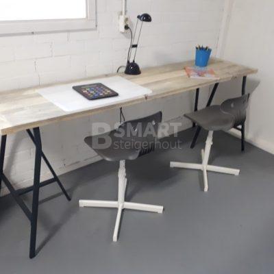 Steigerhout bureau op schragen
