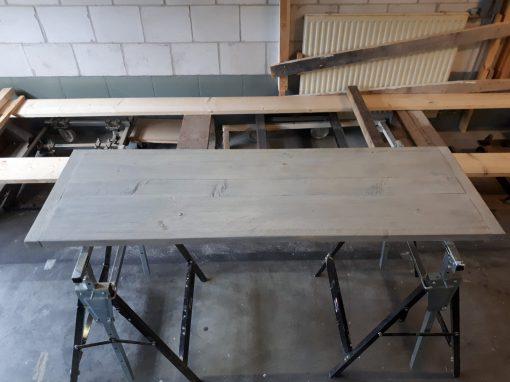 Vlak bureaublad steigerhout