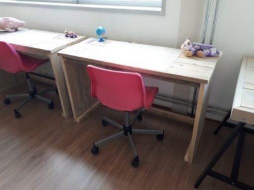 Steigerhout kinderbureau met GRATIS roze bureaustoel